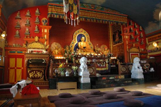 храм традиции сакья