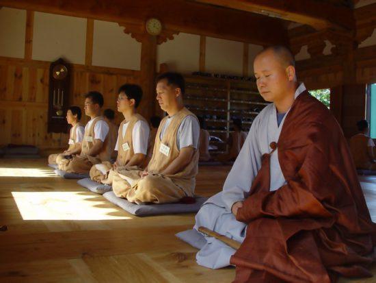 послушники в монастыря Японии