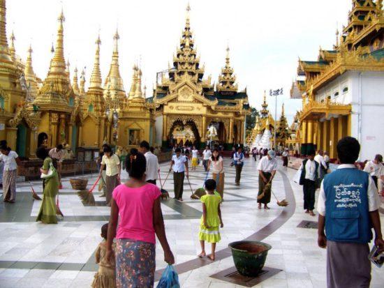 храмы и люди в Бирме
