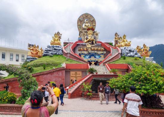 туристы в Катманду