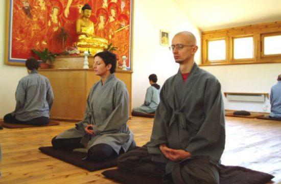 монахи в Америке