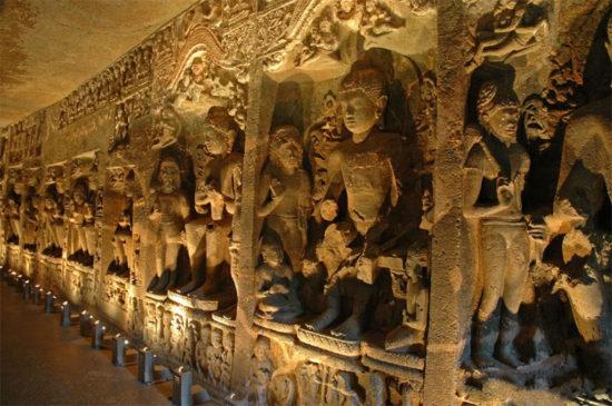 Скульптуры с изображением жизни Будды