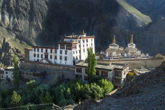монастырь древней религии