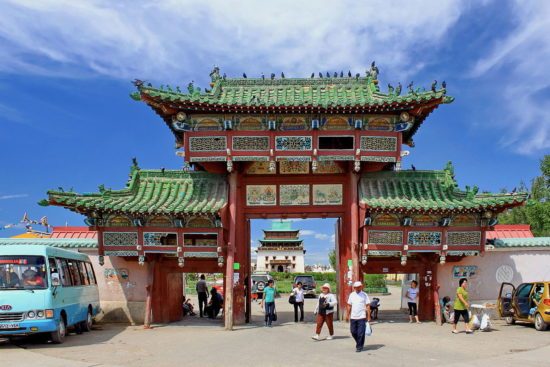 ворота монастыря Гандан