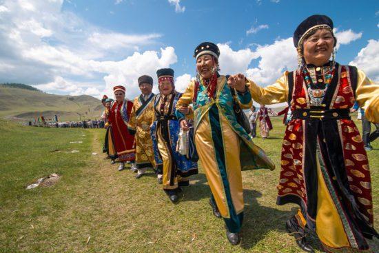 Женщины на фестивале в Бурятии