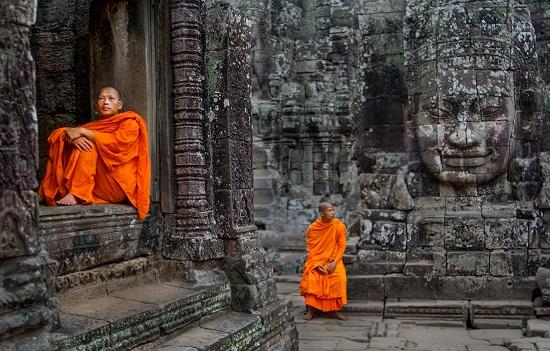 у храма в Камбодже
