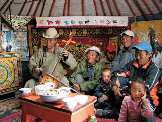 дети и родители монголы