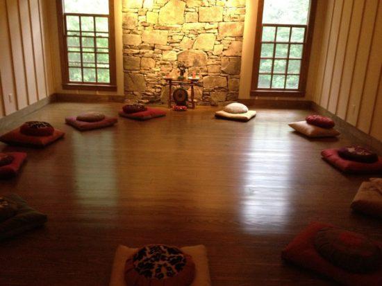 подушки для медитаций