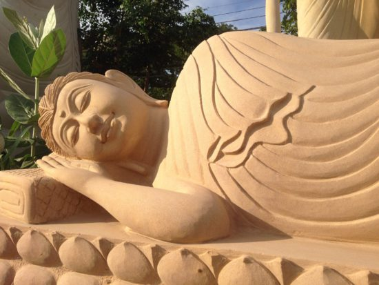 дремлющий будда