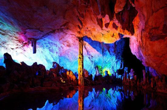 Пещера в парке семи звезд