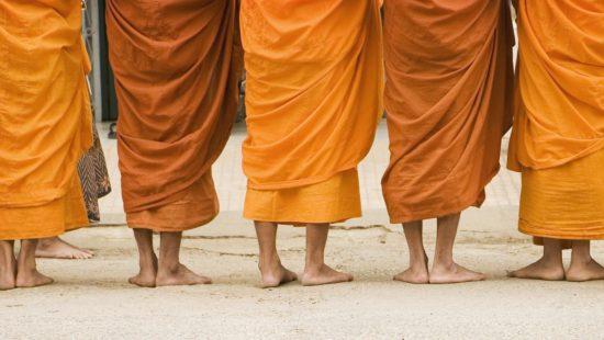 платья монахов