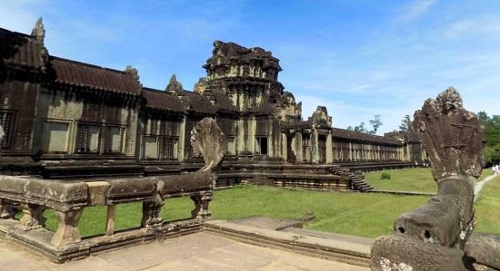 храма