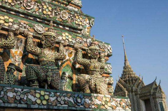 Божества на храме
