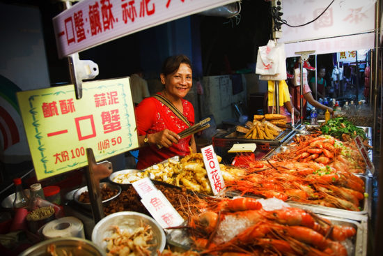 Морепродукты на рынке еды