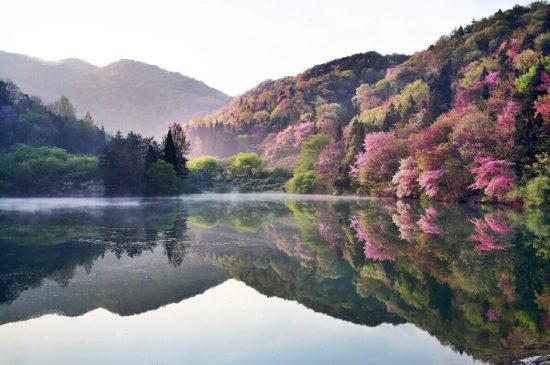 зеркальное озеро в Корее