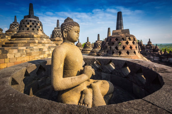 Скульптура будды