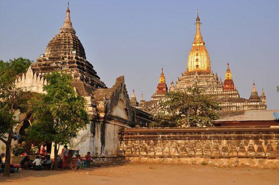 монастырь в Бирме