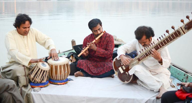 http://o-buddizme.ru/wp-content/uploads/2020/01/muzykanty-v-Indii-e1580365638682.jpg