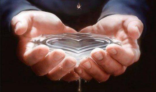 сердце в воде
