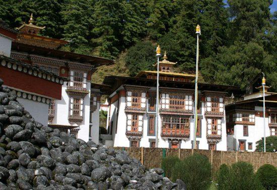 монастырь в королевстве