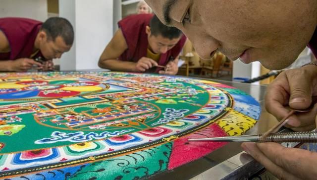 буддийские монахи