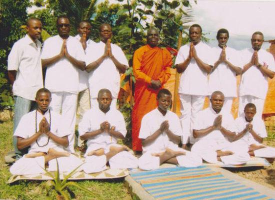 монах и послушники