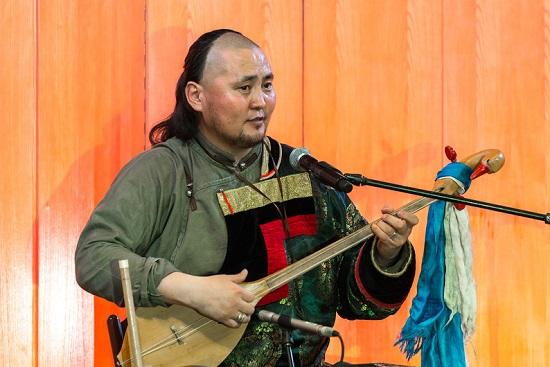бурятский певец