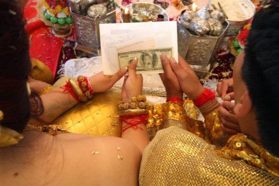 доллары в подарок