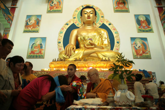 В храме Ринпоче Багша