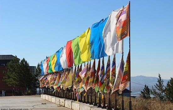 у храма на Лысой Горе