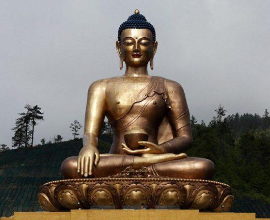 Статуя просветленного в буддизме