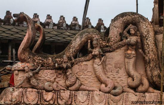 змееподобные существа в Индуизме