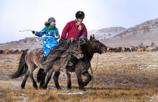 монголы на лошади