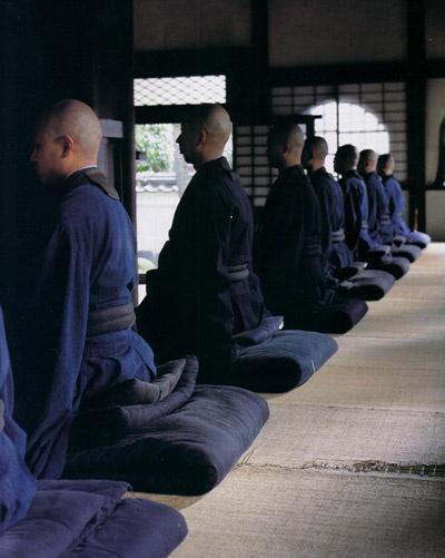 японские монахи