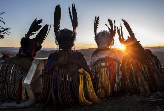 четыре шамана