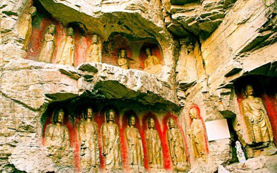 будды в пещере