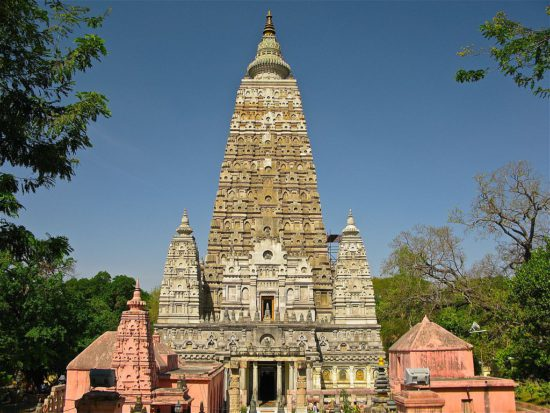 монастырь в Индии