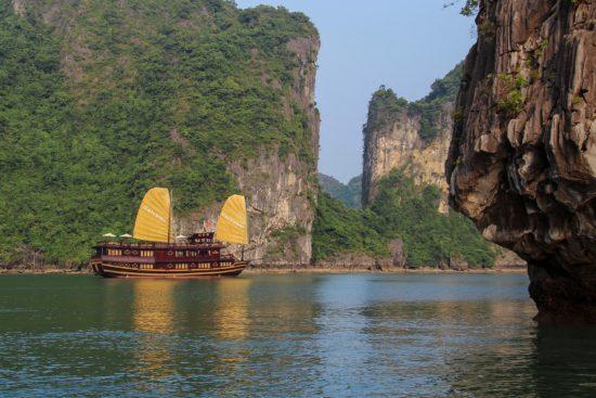 озеро в Азии