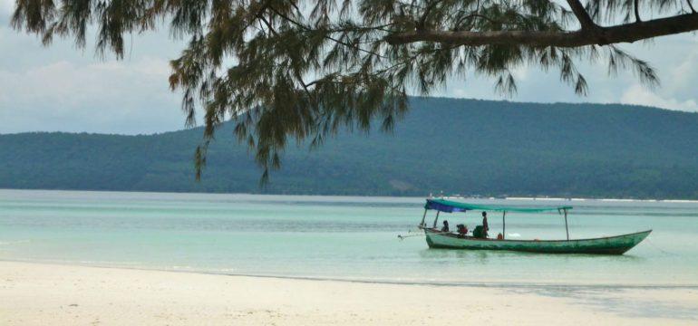 лодка в Камбодже