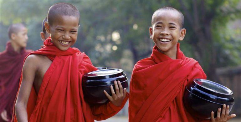 Мальчики буддисты